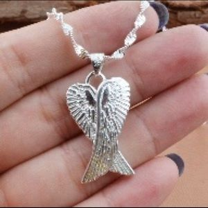 ❤️Sterling silver angel wing pendant necklace